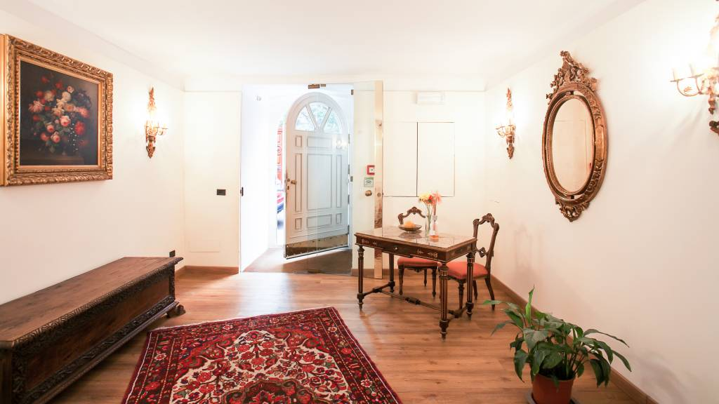 residence-zodiacus-bari-entrance-241